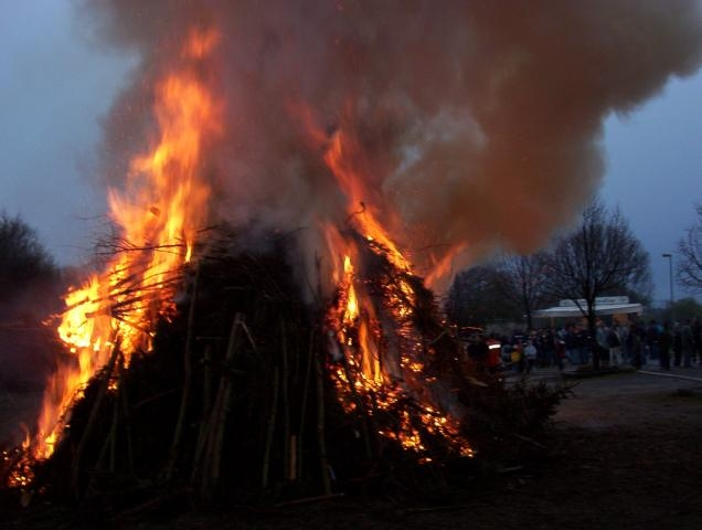742_Osterfeuer 2003 032