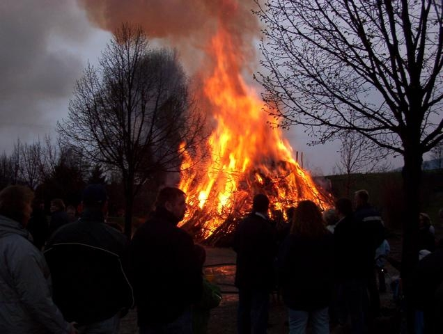 749_Osterfeuer 2003 039