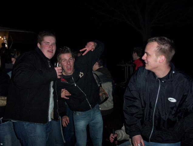 1005_Osterfeuer2005 010