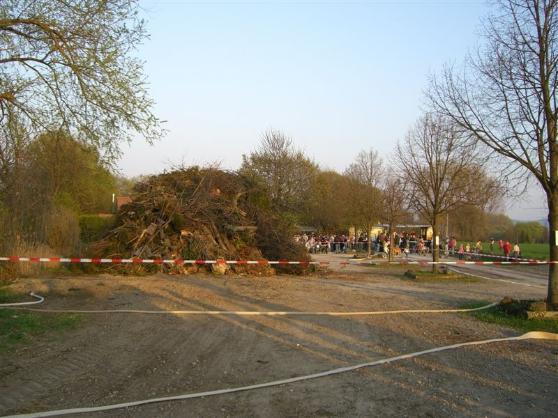 1293_Osterfeuer11.04.09 (16)